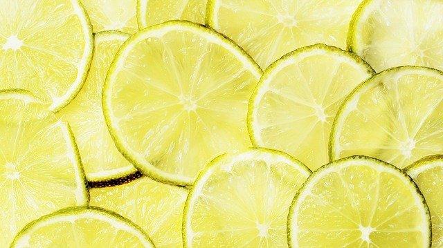 rozpuszczanie kamieni nerkowych sokiem z cytryny